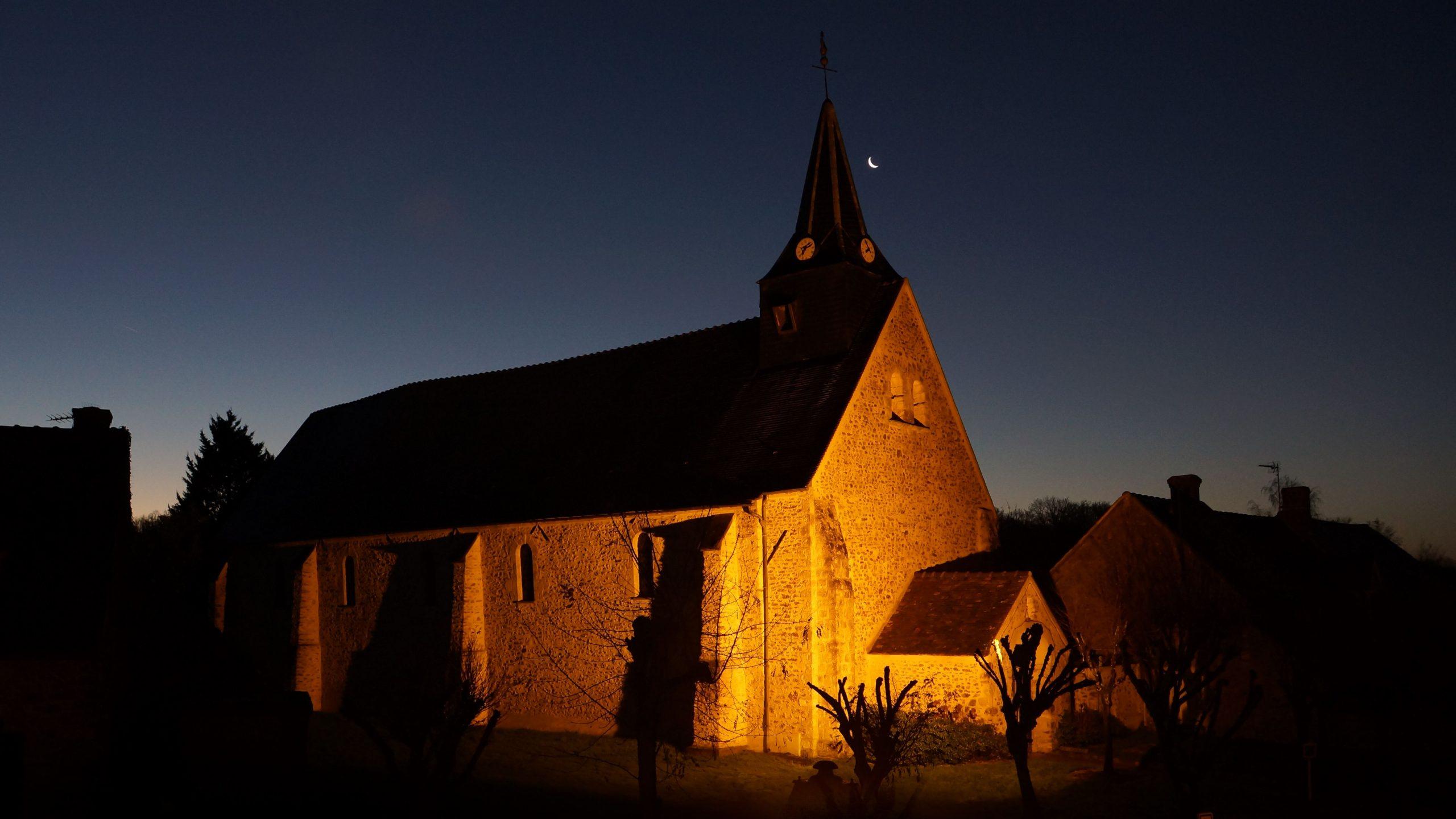 Eglise au coucher de soleil - Mairie de Ponthévrard