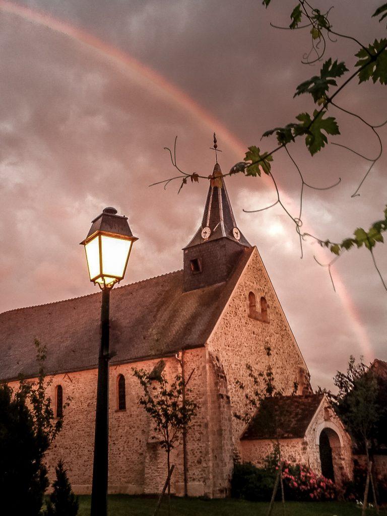 Eglise et arc-en-ciel - Mairie de Ponthévrard