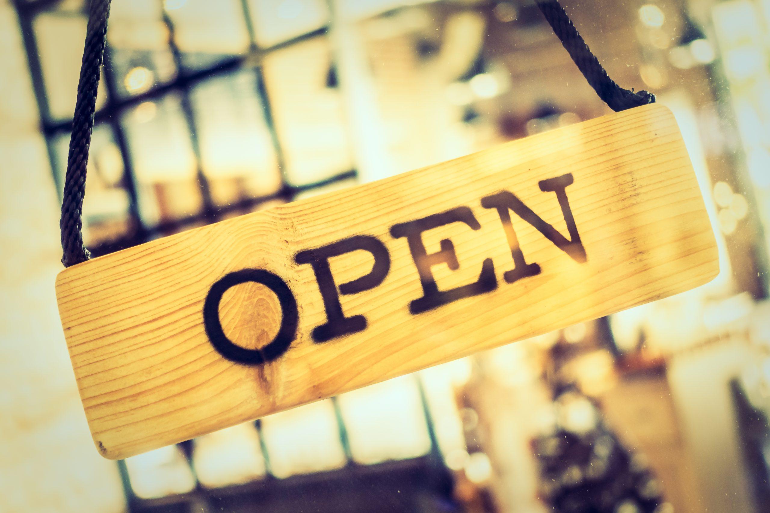 Écriteau de magasin ouvert
